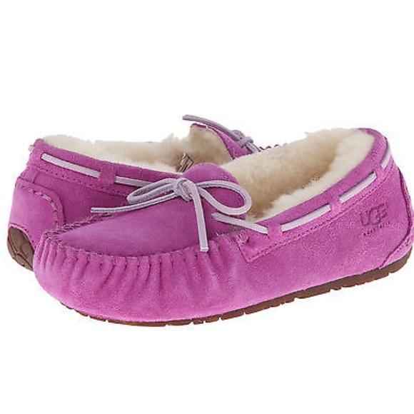 de0cfb1bf1c UGG Girls Dakota Moccasin In Magenta Pink Size 13